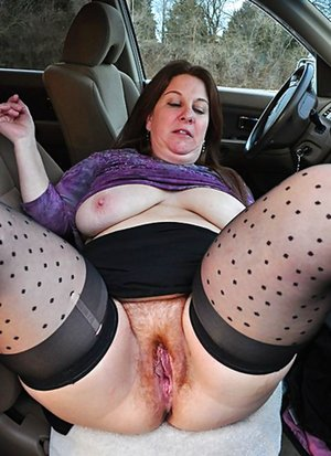 Chubby Mature Pussy Pics