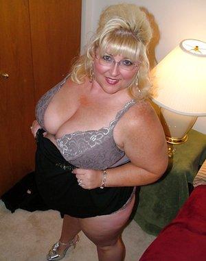Chubby Milf Tits Pics
