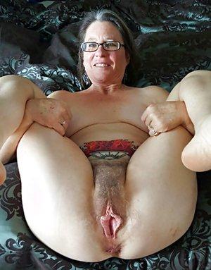 Chubby Milf Pussy Pics