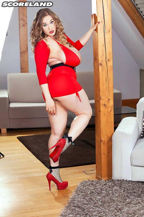 Chubby Skirt Pics